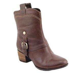 Clarks Artisan Womens Saloon Laurel Leather Boots